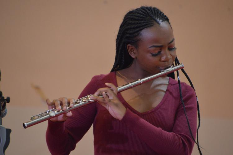 Enchanting performance from the flutist...